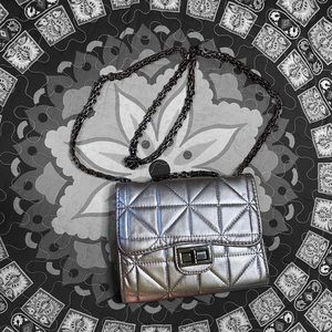 🖤 Olivia miller quilted metallic silver bag